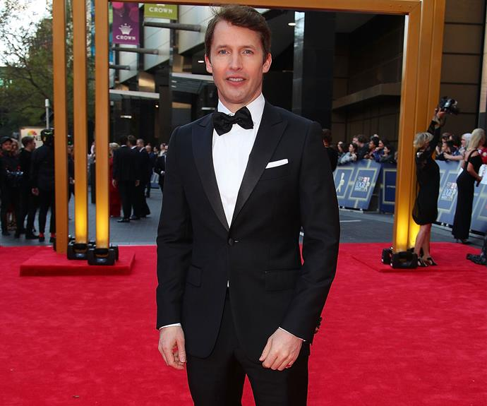 Tonight's musical act, James Blunt, looks dapper in a classic tux.