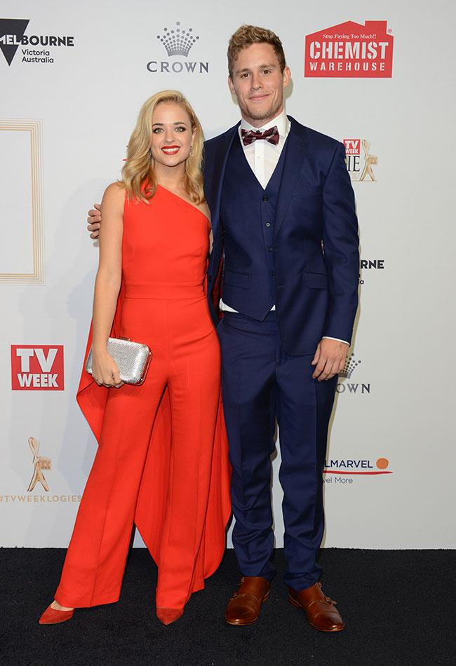 *Home And Away's* on-screen couple Raechelle Banno and Scott Lee looked cute as can be as they posed arm in arm.