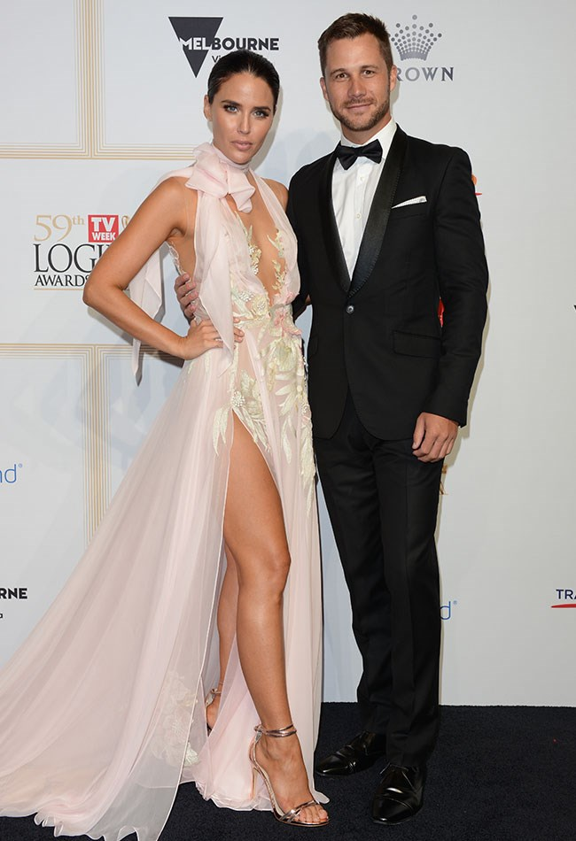 Jodi Anasta and Scott McGregor looked picture perfect as they posed together.