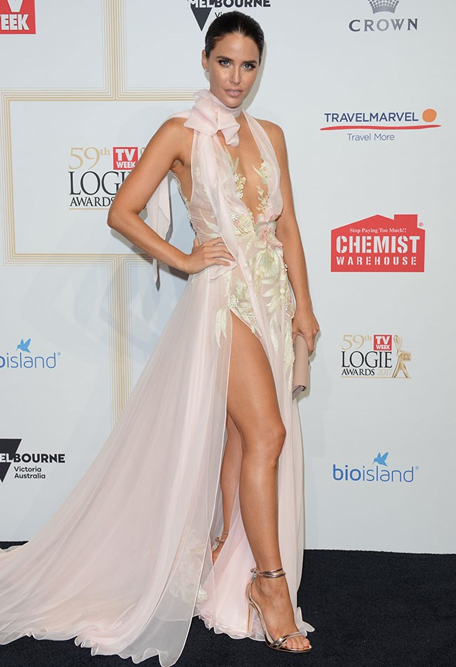 Jodi Anasta posed up a storm in her gorgeous blush pink J'Aton Couture gown!