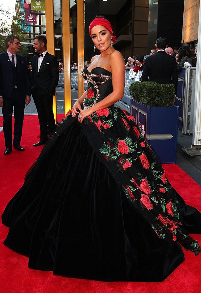 Olympia Valance slayed her posing on the red carpet. Anyone else getting senorita vibes?