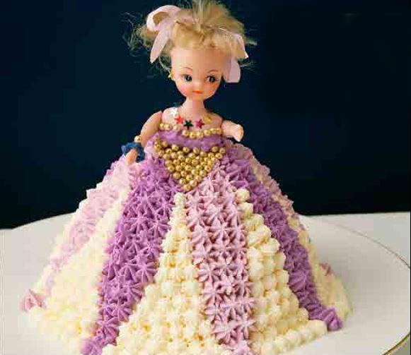 "**8.** [Dolly Varden](https://www.womensweeklyfood.com.au/recipes/australian-womens-weekly-dolly-varden-cake-1510|target=""_blank"")"
