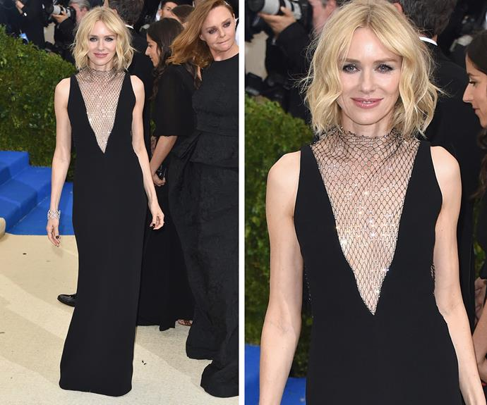 Naomi Watts goes for a classic look.