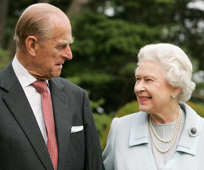Queen Elizabeth has summoned all of her UK staff for an emergency meeting at her London palace.