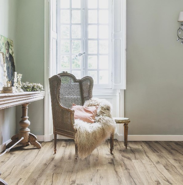 **Who:** Quick-Step Floor Designers **Handle:** [@quickstepfloors](https://www.instagram.com/quickstepfloors/) **Follow for:** One of the leading players in flooring, follow them for endless inspo and expert advice on all things flooring. Wooden, laminate, vinyl, reclaimed, contemporary, you name it, they post it. Their feed is filled with beautifully-styled spaces that will definitely put you in the decorating mood. Plus, if you've got some new Quick-Step flooring you'd like to show off, tag your photos with [#LoveMyQuickStep](https://www.instagram.com/explore/tags/lovemyquickstep/) and you could find yourself featured on the floor designer's Instagram account.