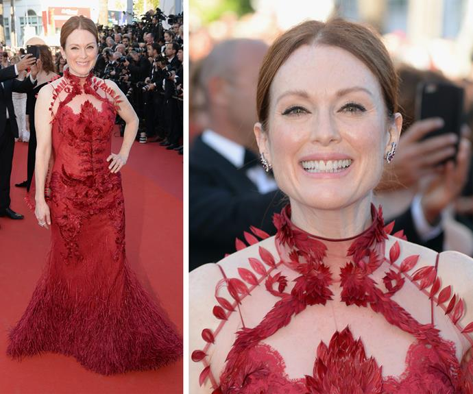 Julianne Moore shuts it down in this vivacious feathered Givenchy Couture piece.