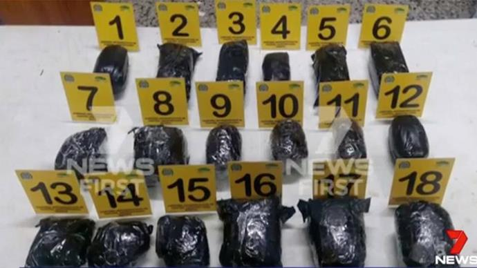 The 18 bags of cocaine found concealed in Cassie's luggage. Image via *7 News.*