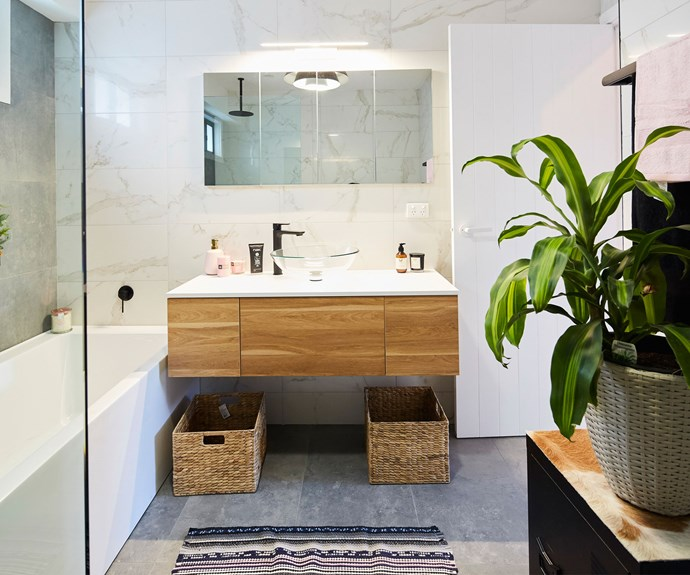 "**The Bathroom:** The judges weren't big fans of [Troy and Bec's](http://www.nowtolove.com.au/celebrity/tv/house-rules-kate-and-harry-angry-at-troy-and-bec-37653|target=""_blank"") bathroom. Wendy wasn't impressed with the colour palette and all judges felt the fake plant was a let down."