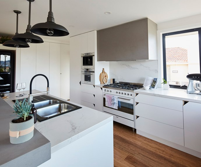 "**The Kitchen:** [Aaron and Daniella](http://www.nowtolove.com.au/celebrity/tv/what-the-house-rules-contestants-get-up-to-off-screen-37709|target=""_blank"") lost points for a ""catalogue"" kitchen this week. LLB felt it was boring."