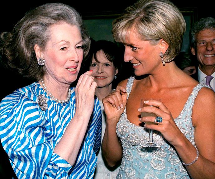 She also donned the sparkler at her clothing auction at Christie's in 1997.