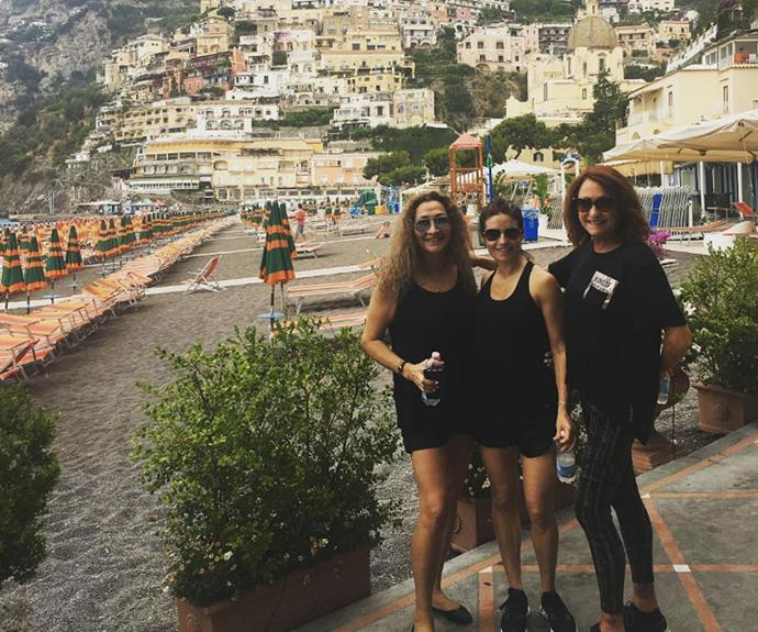 The girls take a stroll around Positano.