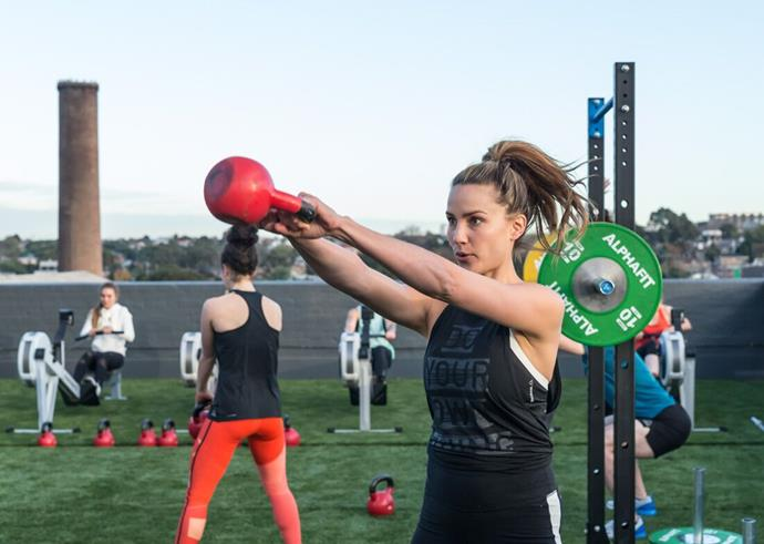 Rachael swinging some seriously tough exercises our way, thanks to Reebok.