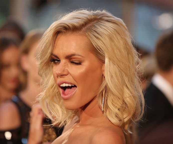 Voluminous blonde locks = Bachie bombshell!