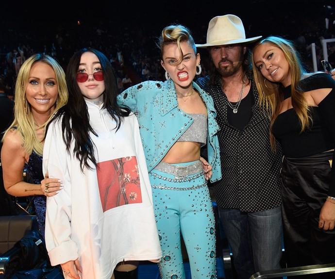 The Cyrus gang unite.