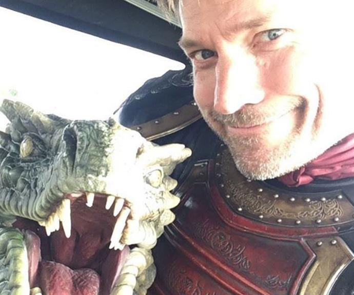 Jamie Lannister (Nikolaj Coster-Waldau) snuggles up to his new bestie.