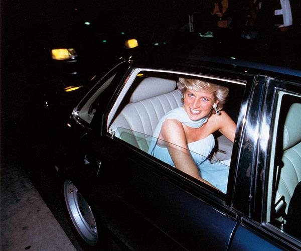Ken says Diana predicted that she would die in a car crash.