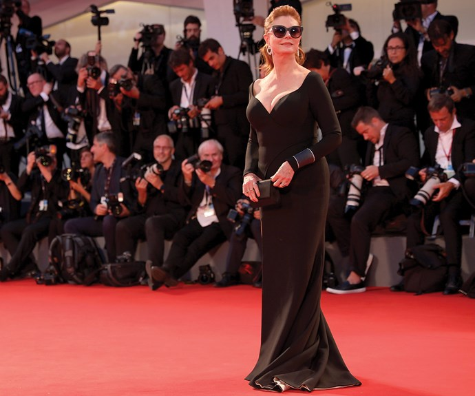 Hollywood queen Susan Sarandon, 70, was smoldering in this chic plunging gown.