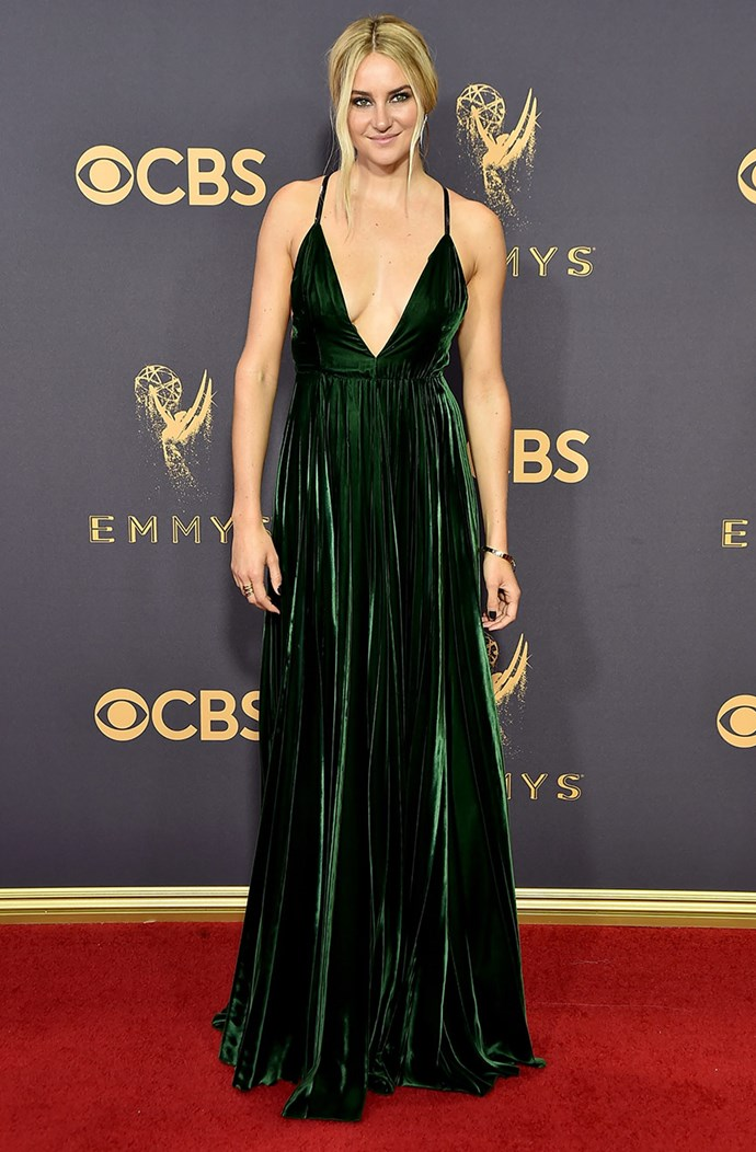 **Big Little Lies**' **Shailene Woodley** had her locks brightened and lightened for the 2017 Emmy's. A bold, smoky-eye and a nude lip made for a makeup match in heaven.