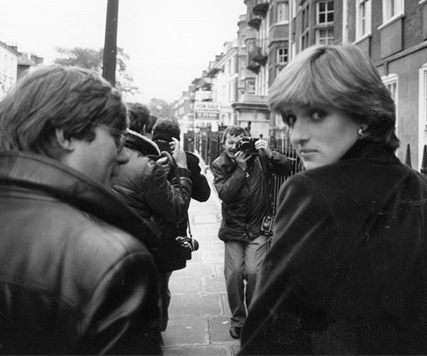 A year before the announcement, Diana walks to her Earl's Court flat.