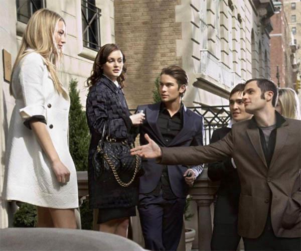 A Gossip Girl reboot is all systems go.