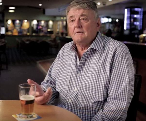 Stu's father Arthur Laundy is a well-known publican who runs a successful string of hotels around NSW. (Image/YouTube)