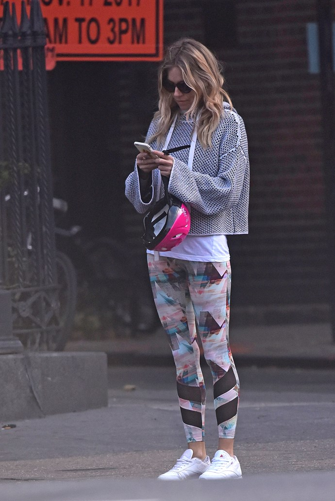 """No matter what she wears, and when, Sienna Miller is always sartorially striking. Exhibit A. Style-jack Sienna's look with [lululemon's Wunder Under Tight Hi-Rise, $149](https://www.lululemon.com.au/p/women-pants/Wunder-Under-Tight-HiRise-Nulux/_/prod12100087?rcnt=16&N=7rr&cnt=198&color=LW5AQOS_032956