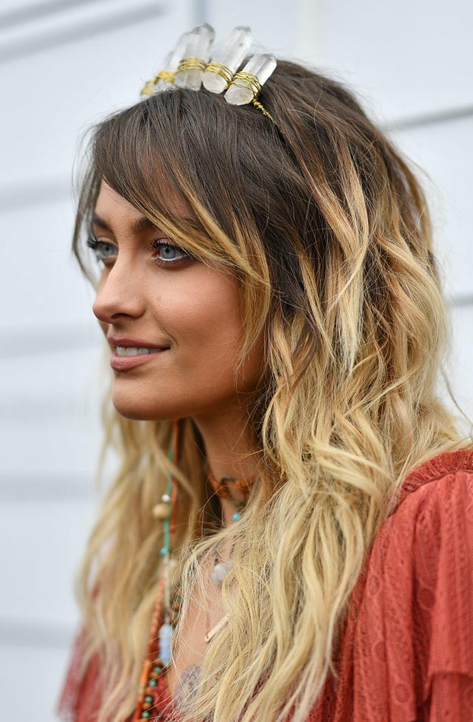 Paris Jackson wore a headband of Quartz crystals and a string of various crystals around her neck.