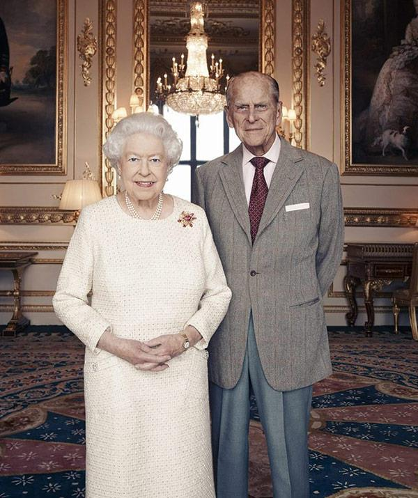 This new portrait has been released to mark their 70th wedding anniversary. (Image/Matt Holyoak of Camera Press)
