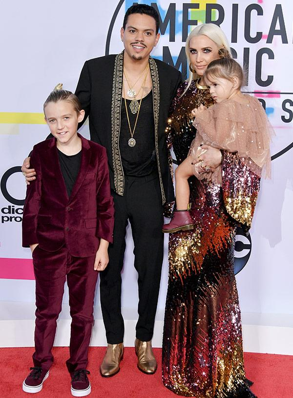Her son Evan Ross, with his wife Ashlee Simpson and with their kids Bronx and Jagger.