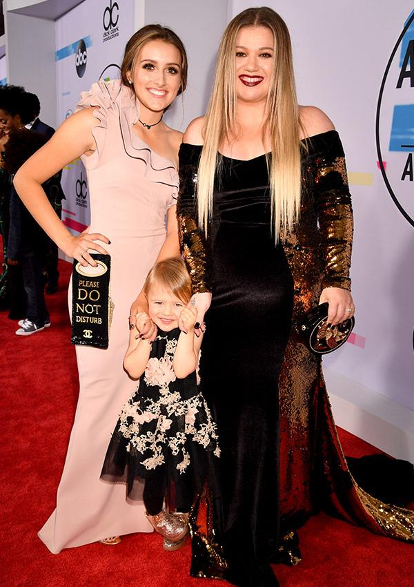 """Kelly Clarkson brought along her stepdaughter Savannah, 16, and her baby girl River Rose, three, telling *People*, """"It's a girls' night!"""""""
