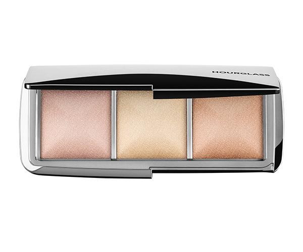 """Highlighters are the 'It' product to have in your cosmetic bag in 2017 and this trio by Hourglass is one of the best there is. We're sure a new mum would love the gift of glowing, well-rested skin. [Hourglass Ambient Metallic Strobe Lighting Palette, $90, Mecca.](https://www.mecca.com.au/hourglass/ambient-metallic-strobe-lighting-palette/I-029539.html#product-reviews target=""""_blank"""" rel=""""nofollow"""")"""