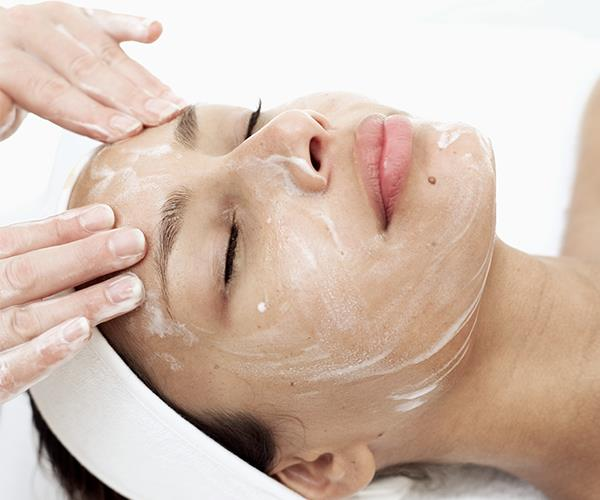 """A spa voucher is a no-brainier. A little forced rest and relaxation is just what a new mum (in fact, all mums) need. At Endota Spa you can pick a spa experience for the recipient, or present her with a Freedom voucher so she can choose what she likes. [From $25, Endota Spa](https://endotaspa.com.au/gift-cards/ target=""""_blank"""" rel=""""nofollow"""")."""