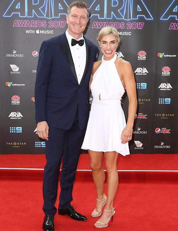 "How in love does Wiggles star [Simon Pryce](https://www.nowtolove.com.au/celebrity/celeb-news/red-wiggle-simon-pryce-and-lauren-hannaford-wedding-album-33477|target=""_blank"") look with wife new Lauren Hannaford!"