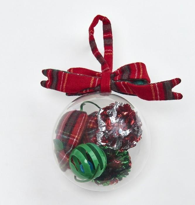 **Christmas Bauble Cat Toy Set $9.74** Cats love getting up in your Christmas tree meaning this is actually a perfect gift.