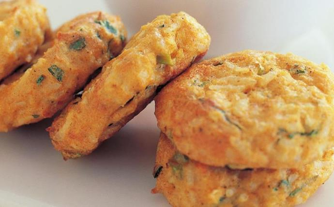 """[**Tofu cakes with sweet chilli dipping sauce**](http://www.foodtolove.com.au/recipes/tofu-cakes-with-sweet-chilli-dipping-sauce-20649