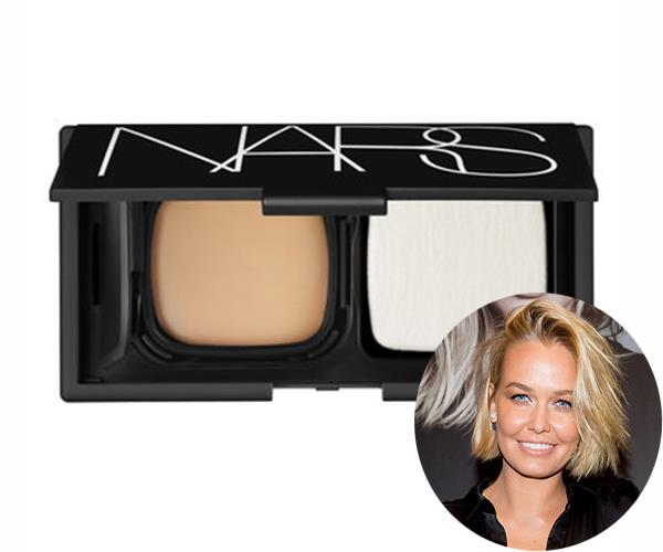 "Many women struggle with melasma, discolouration of the skin, during and after pregnancy and Aussie beauty Lara Worthington is no different. To even out her skin tone, the 30-year-old uses [Nars Cream Compact Foundation](https://www.mecca.com.au/nars/radiant-cream-compact-foundation-refill/V-016635.html|target=""_blank""