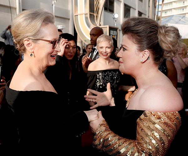 Kelly Clarkson is ALL of us as she meets the goddess that is Meryl Streep.