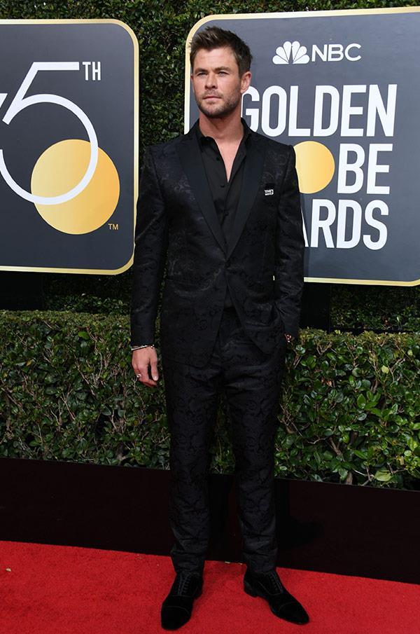 Chris Hemsworth flies solo sans his wife Elsa Pataky.