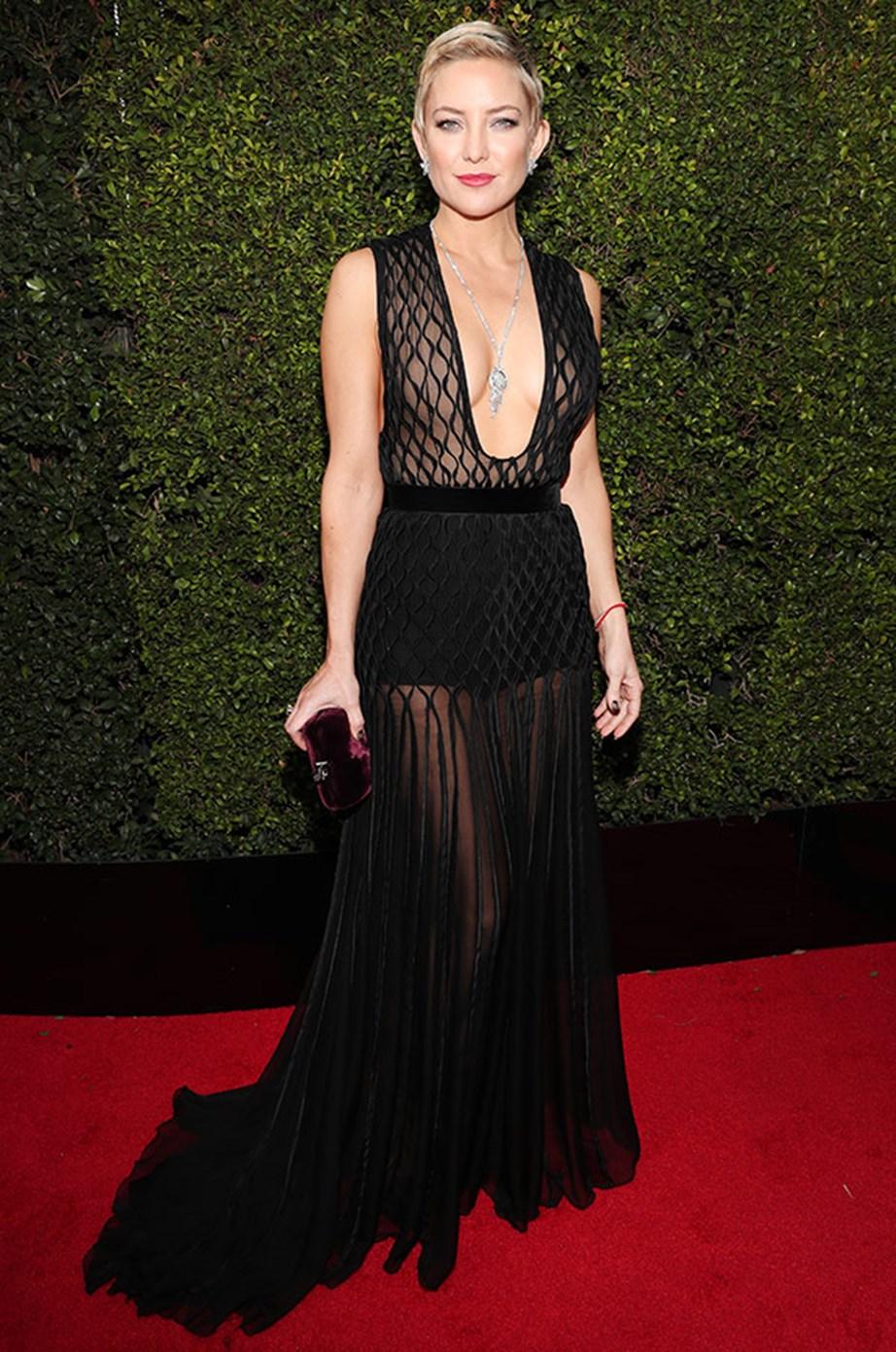 Like Eva, Kate Hudson donned all black for the Globes' red carpet.