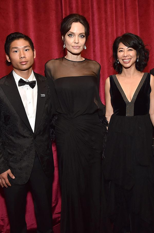 "Thankfully she avoided any awkward run-ins with Brad Pitt's ex-wife by having her son Pax and [bestie Loung Ung by her side.](https://www.nowtolove.com.au/celebrity/celeb-news/angelina-jolie-crazy-about-loung-ung-42647|target=""_blank"")"