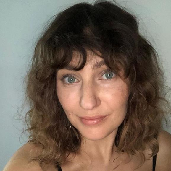 "Beauty guru, Zoë Foster Blake is having the time of her life with her most manageable haircut yet. The mum-of-two took to Instagram to reveal her new *Dirty Dancing* inspired do' which she says needs no styling at all. <br><br> ""Features include my natural, air-dried curls, zero styling, [and] the fringe I've wanted since 2015,"" she wrote. The 37-year-old thanked her hairstylist for her new look and credited 80's cinema hits *Flashdance* and *Dirty Dancing* for providing the inspiration."