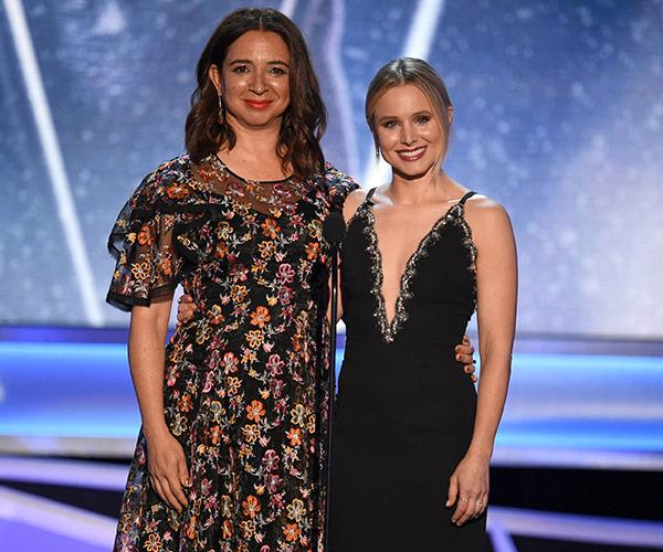 Maya Rudolph and host Kristen Bell kick things off for the night.