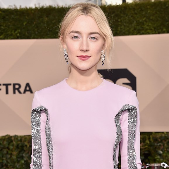 It was all about glowing skin for Saoirse Ronan, who appeared to wear no eye make-up at all.