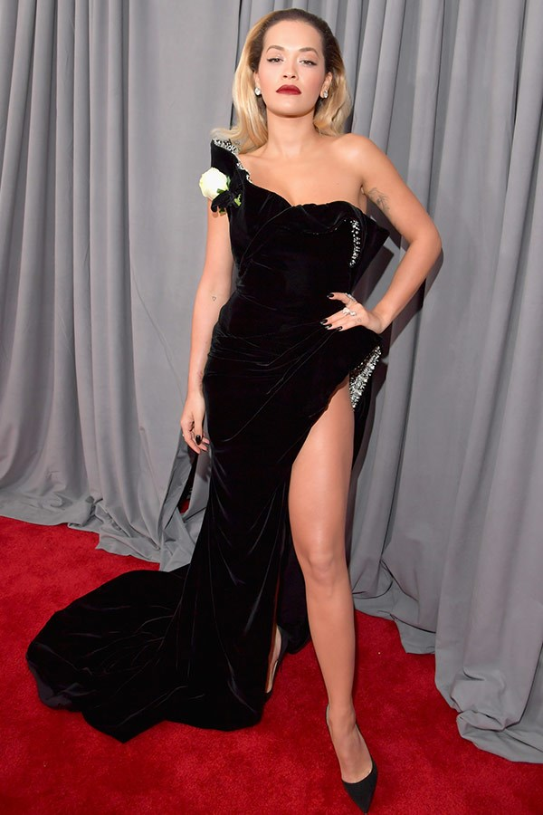 Rita Ora is giving us Angelina Jolie circa Oscars 2012.