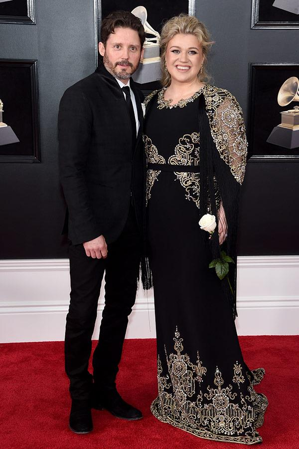 Kelly Clarkson is very pleased to be with his biggest fan, hubby Brandon Blackstock.