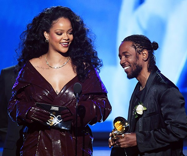Rih Rih and Kendrick pick up their accolade for *Loyalty*.
