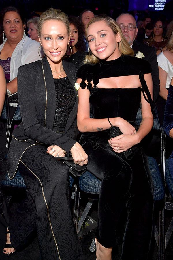 Miley Cyrus' date for the night is her mum Tish Cyrus.