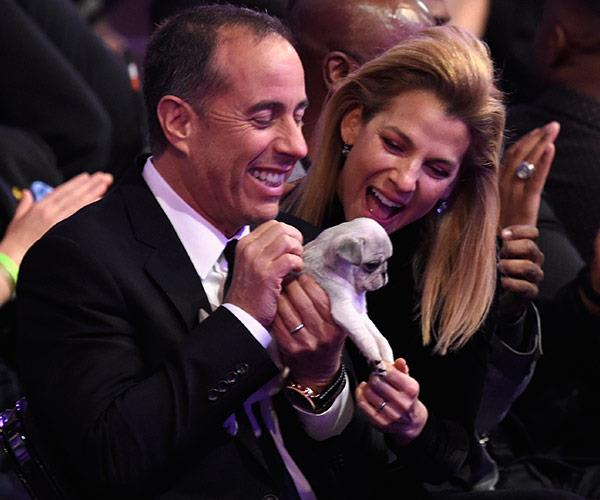He might not be taking home a Grammy, but Jerry Seinfeld seems very happy with his runner's up prize!