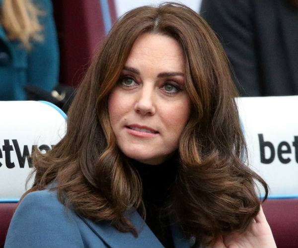 While the length of her hair may change from time to time, Kate never strays too far from her signature blow dry.