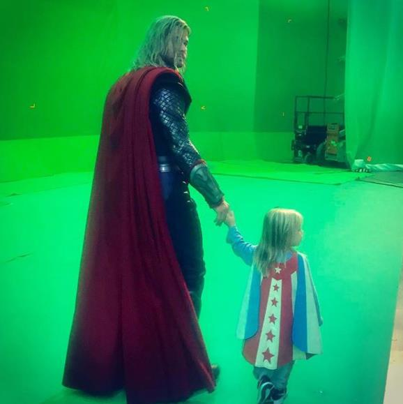 It's bring your kids to work day on the set of *Thor Agnarok*! Chris shows his progeny what a day-in-the-office is like.